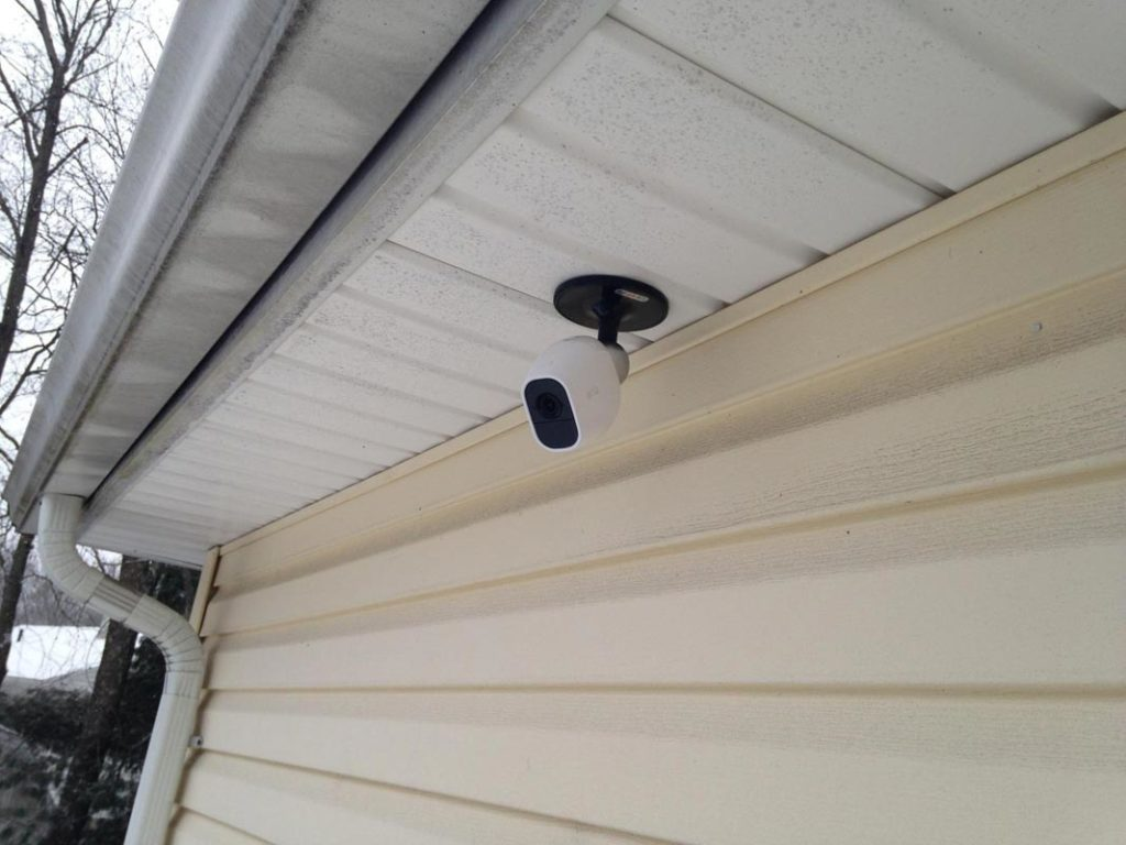 Arlo Pro 2 security cam attached in Outdoor carage