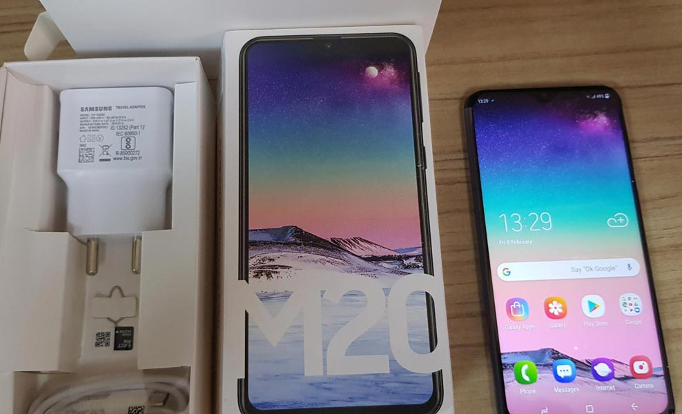 Samsung Galaxy M20 Unboxing