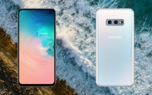 Samsung Galaxy S10e with Sea Wave Background