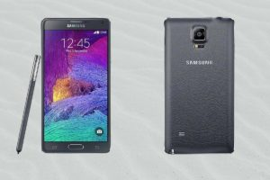 Samsung Note 4 with Grey Sand Background