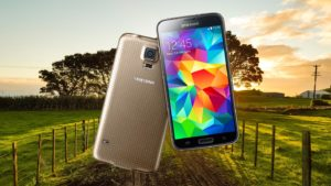 Samsung S5 Plus with Country Side Farm