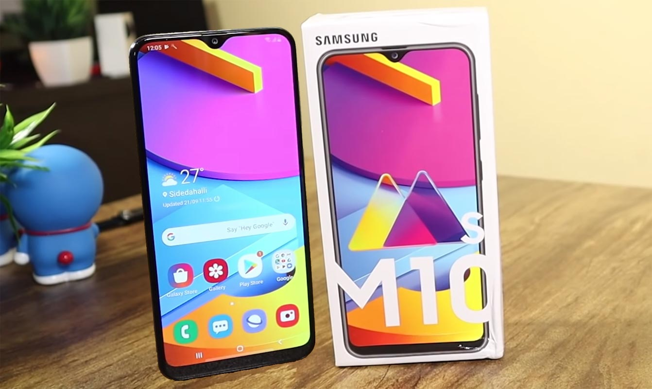 Samsung Galaxy M10s on the Table with Retail Box