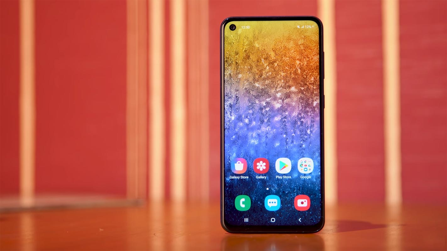 Samsung Galaxy M40 on the Red Tabe
