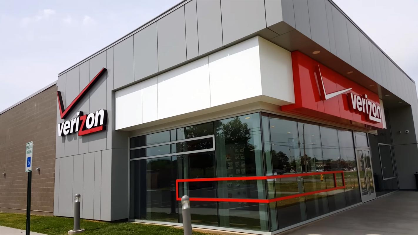 Verizon Store Louisville Kentucky From Out Side