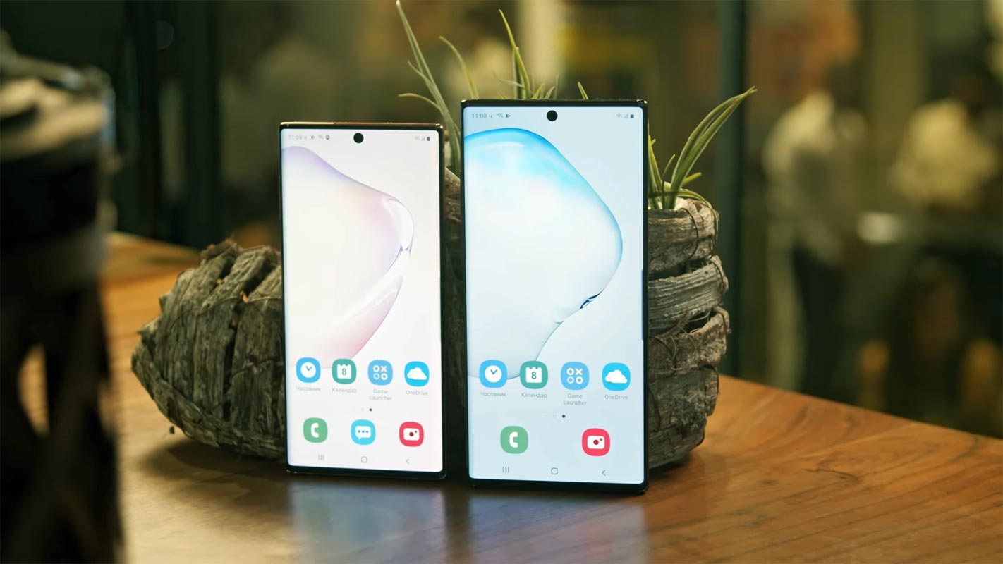 Samsung Galaxy Note 10 and Note 10 Plus near the small plant