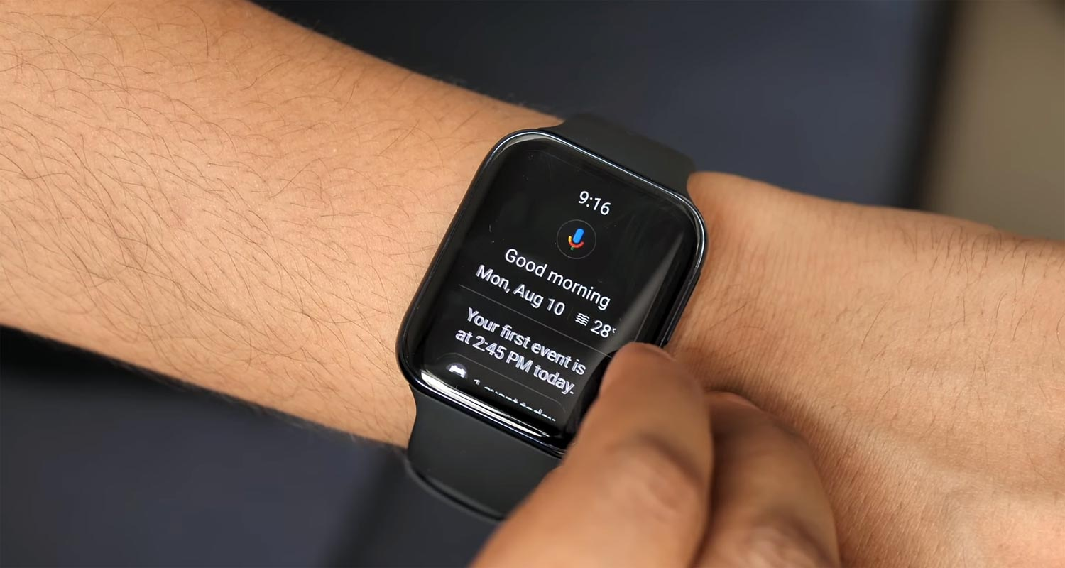 SmartWatch Google Assistant in Hand