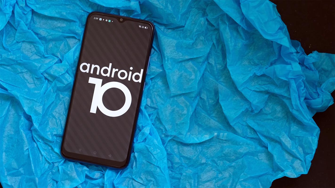 Realme C15 with Android 10 Logo