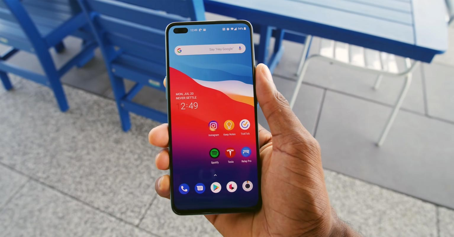 OnePlus Nord Unlocked Home Screen in hand