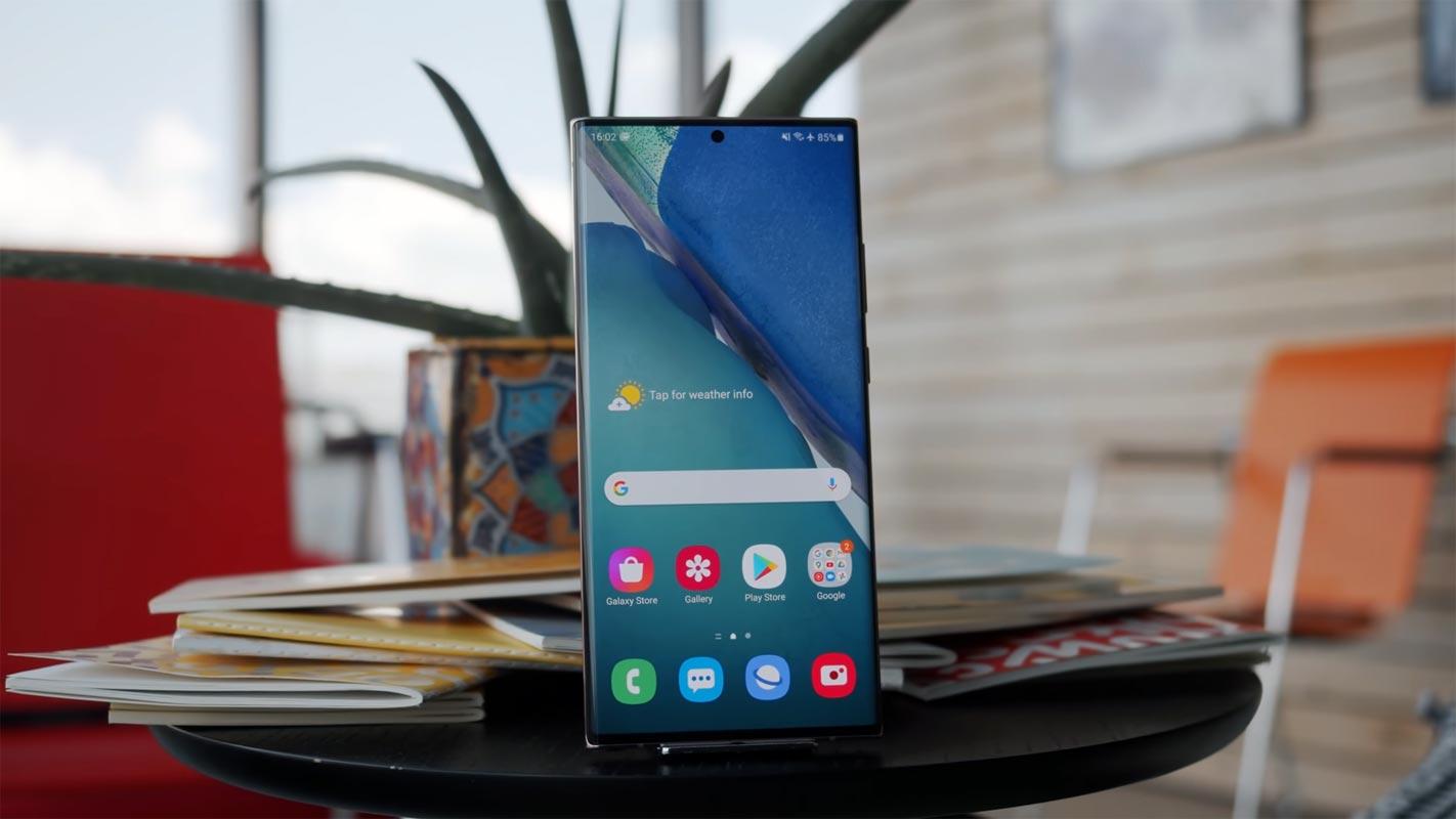 Samsung Galaxy Note 20 Ultra 5G Unlocked Home Screen on the Table