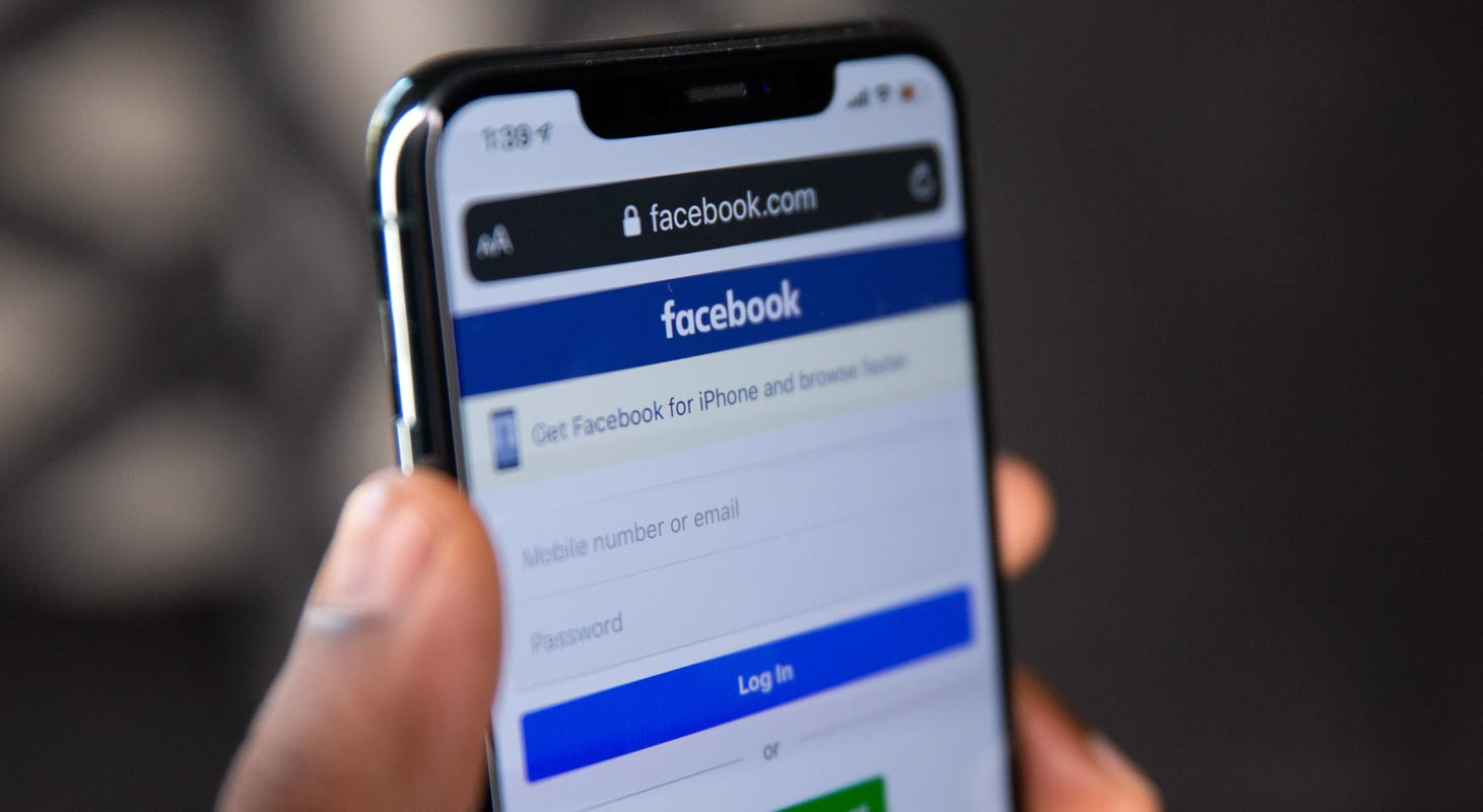 Facebook login Page in iPhone