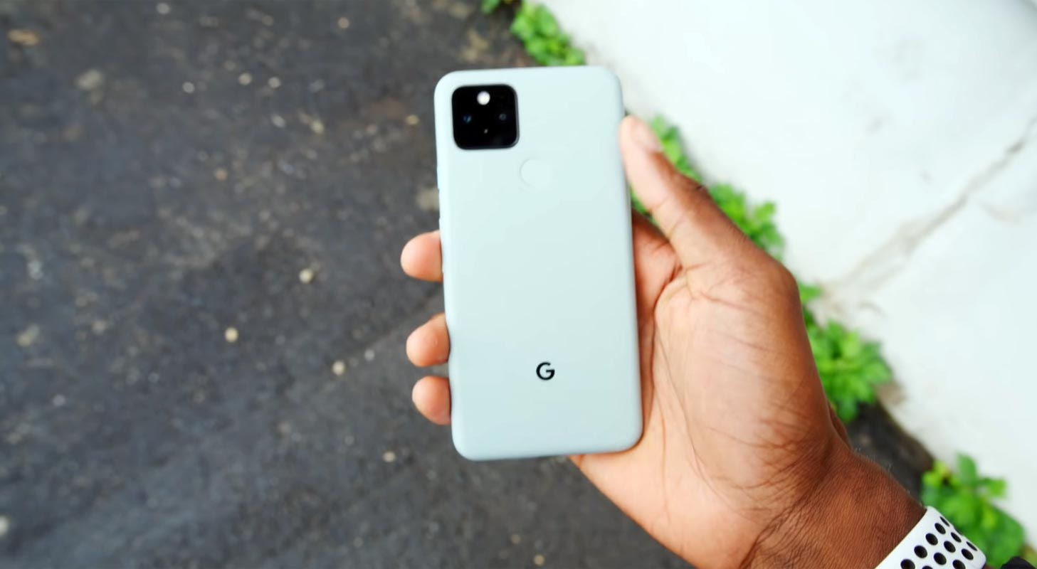 Googel Pixel 5 Rear Side in hand
