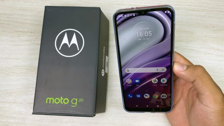 Moto G20 Android 11 UI with Retail Box